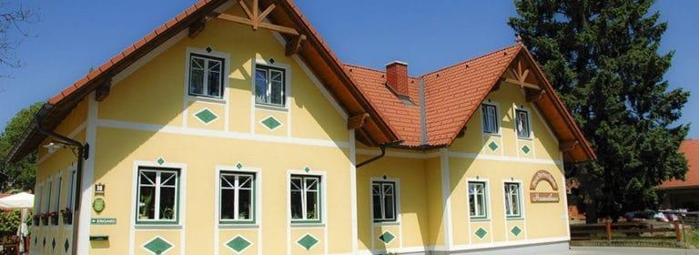 Hoamathaus Buschenschank Haus von außen