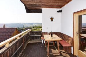 Kellerstöckl mit Balkon und Ausblick